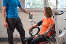 CHU Intervenant en activité physique adaptée Brunet Yoann CHU de Grenoble, prise de tension artériel